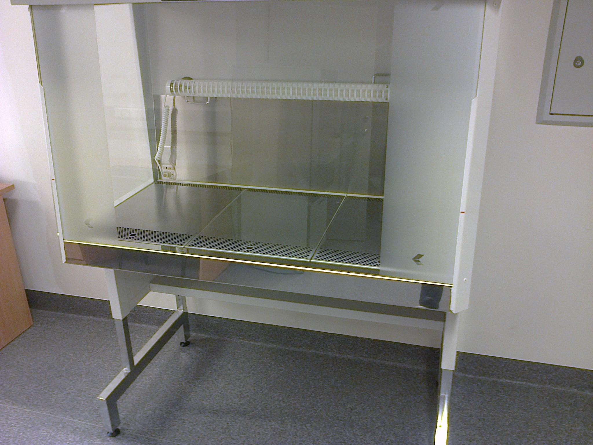 Vertical Laminar Flow Cabinet FlowFast V12 P, FASTER