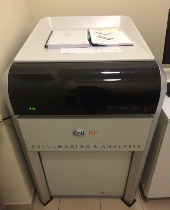 Automated cell culture and analysis system CELL IQ v2 SLF System