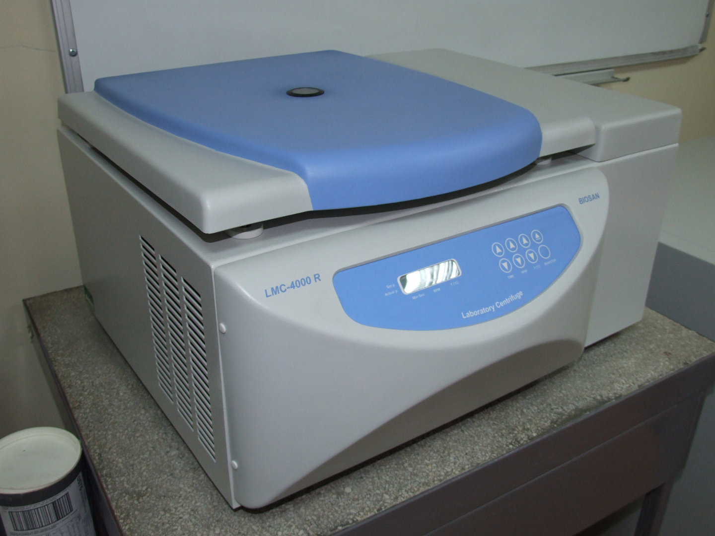 Centrifuge with cooling DNA analysis BIOSAN LMC-4000R