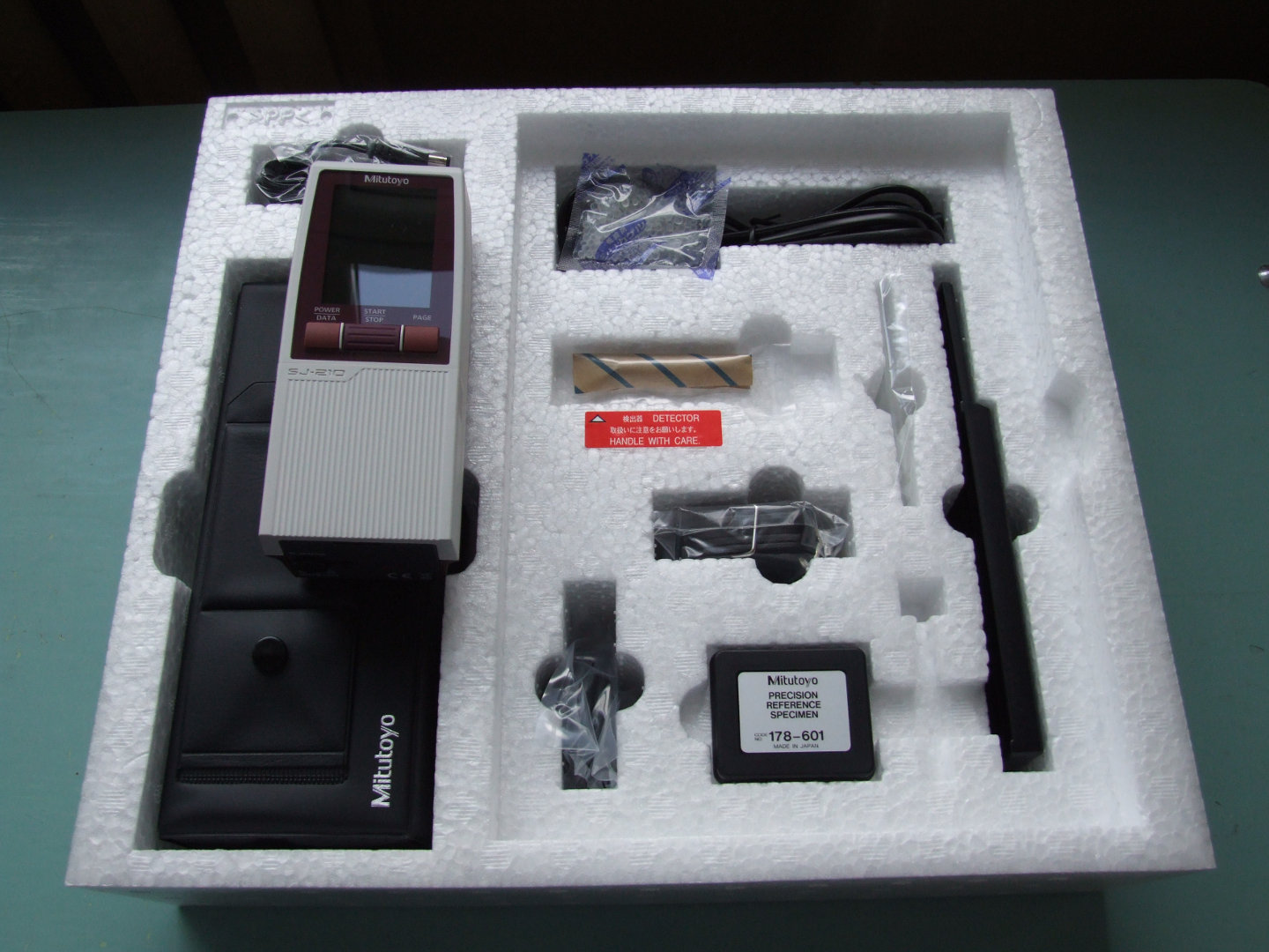 Surftest (Surface  Roughness Measuring Tester)