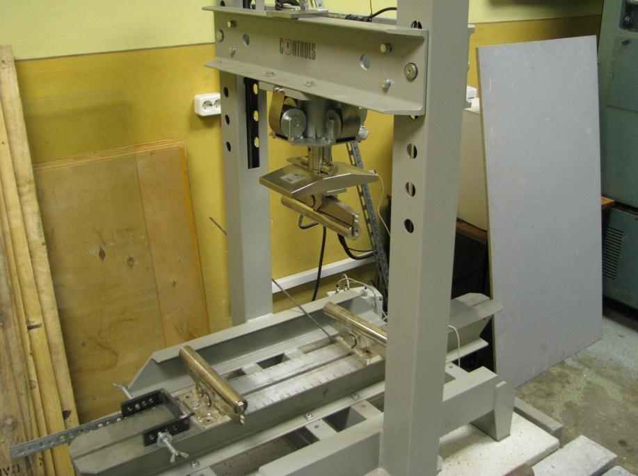 Bending test frame Universal 150kN