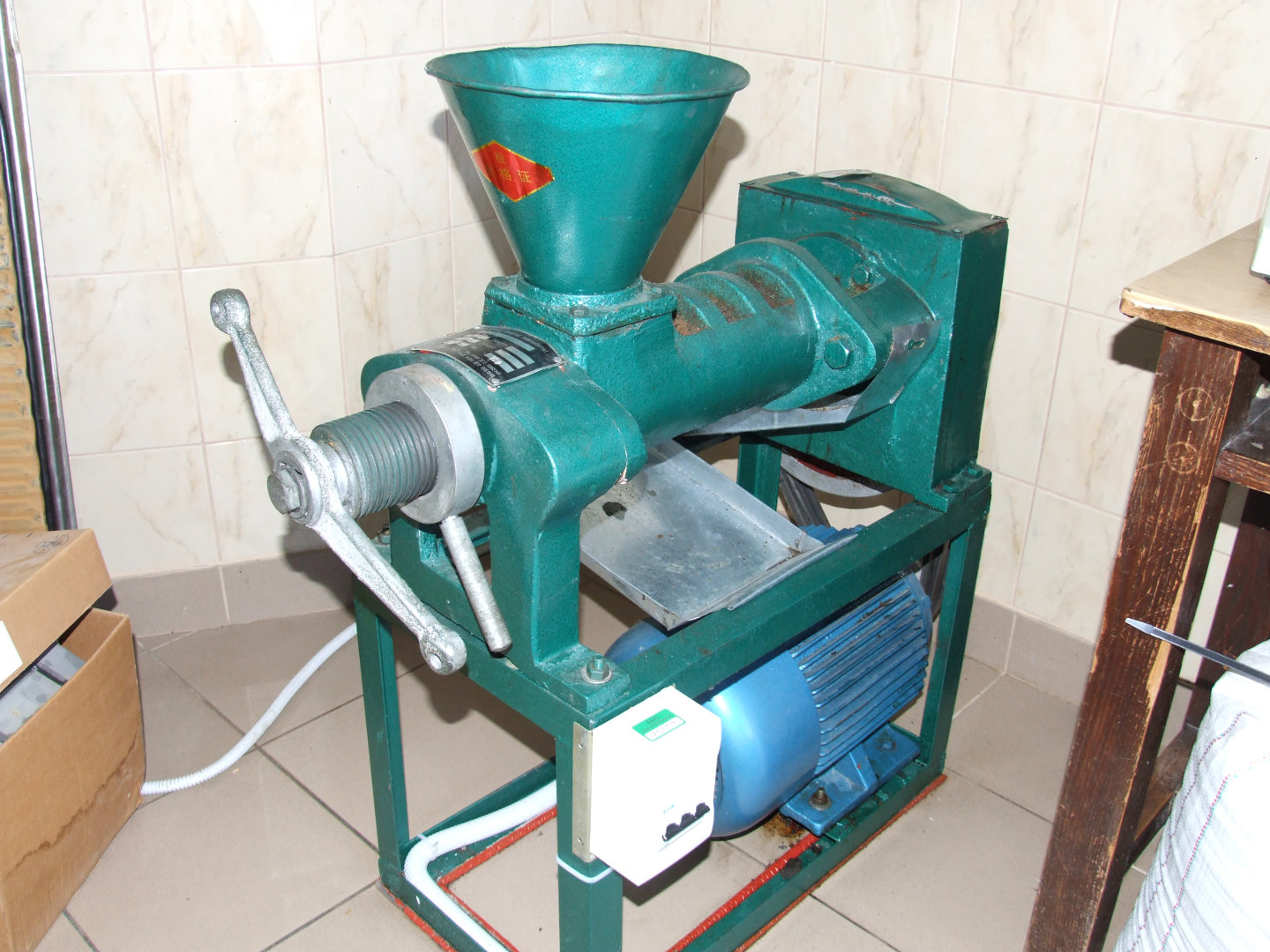 Food oil compression equipment
