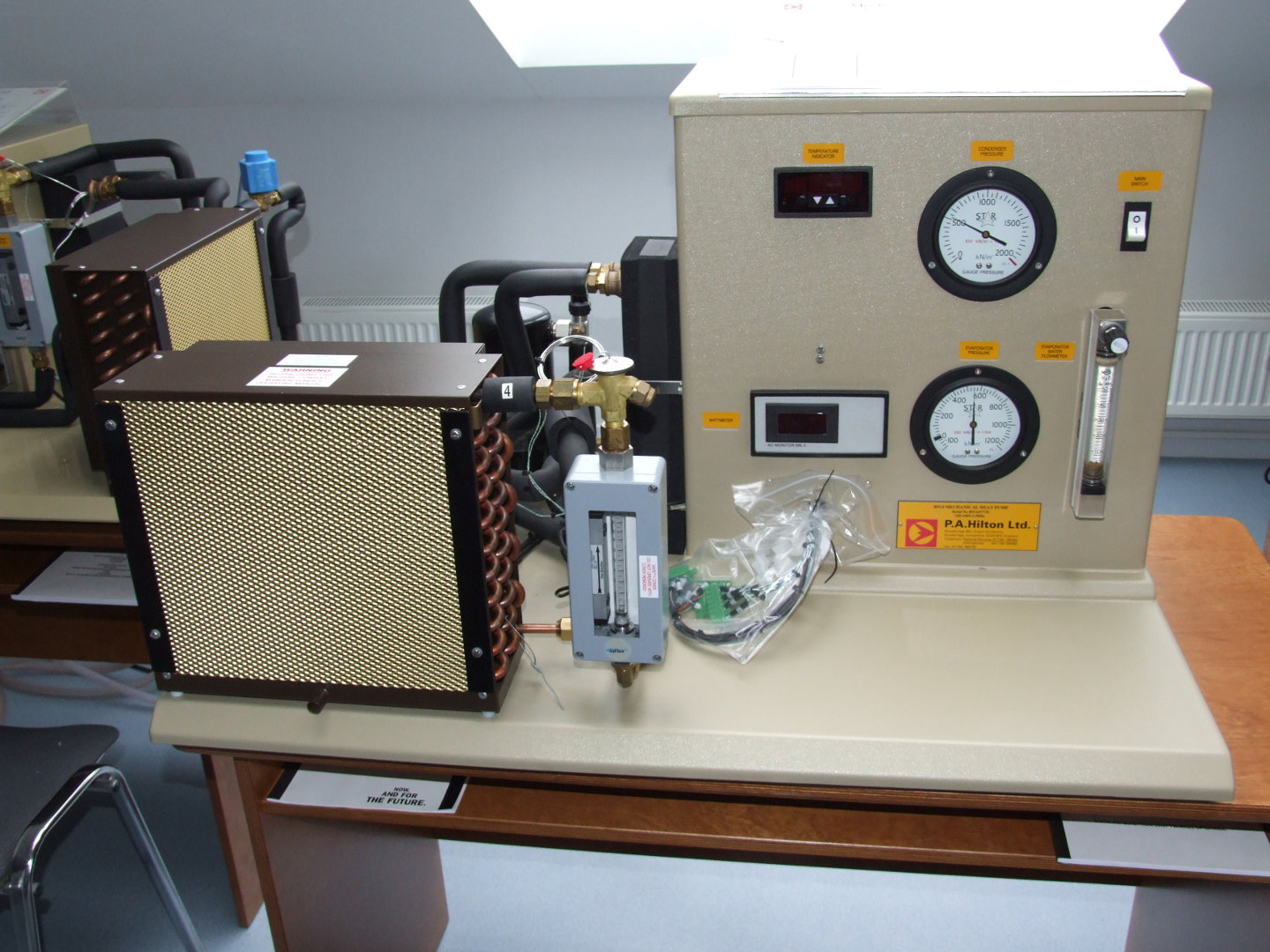 Heat pump operations research training stand