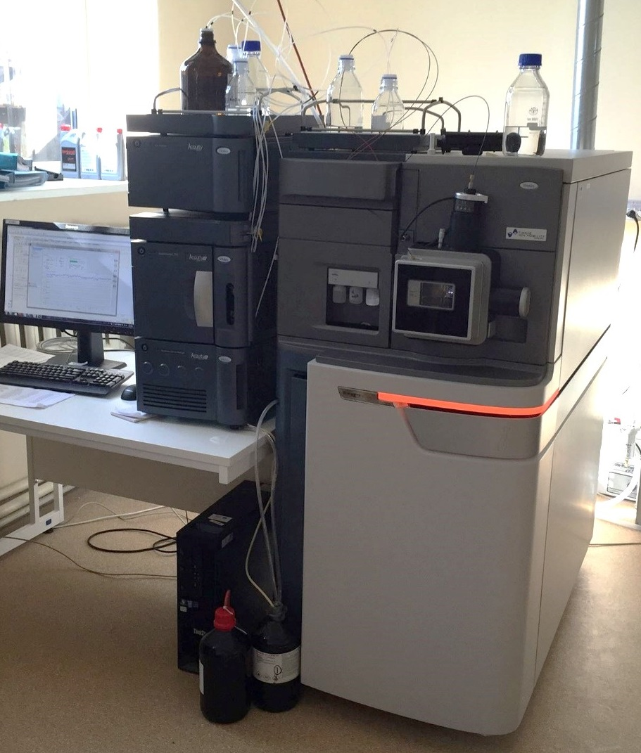 Ultra performance liquid chromatography system with a photodiode array (PDA) detector and a tandem mass spectrometer