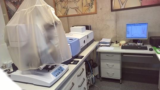 FT-IR spectrometer Vertex 70, Bruker