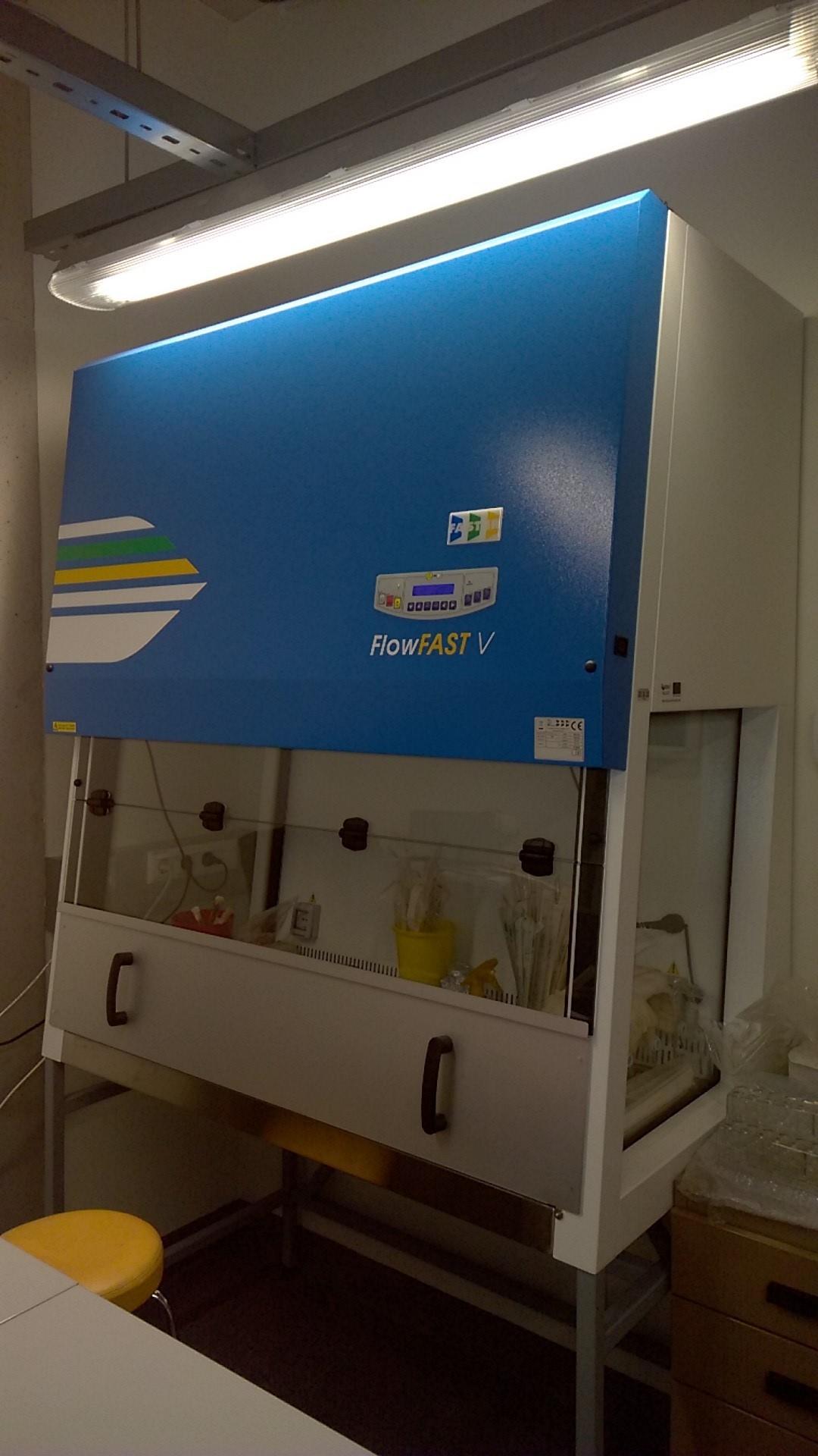 Vertical laminar flow cabinet FlowFast V12, Faster S.r.l.