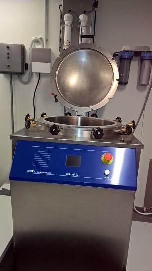 Vertical steam sterilizer Uniclave 99 157L