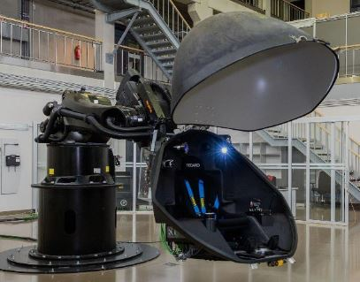 Physical motion simulator based on KUKA KR 600 R2830 passenger, Gondola shell including projection system and software licenses