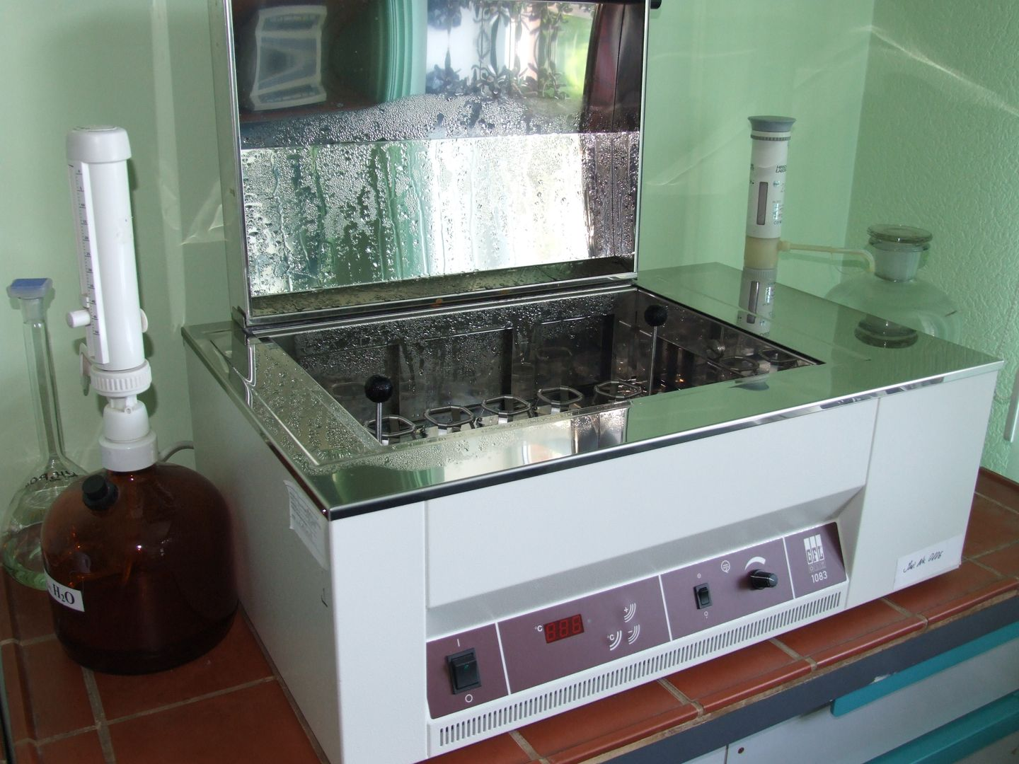 ater bath with shaker